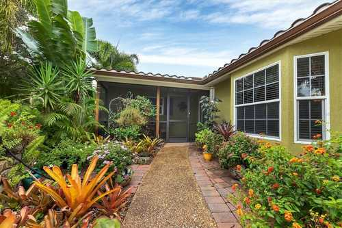$535,000 - 3Br/2Ba -  for Sale in Frst Lakes Country Club Estates, Sarasota