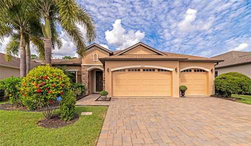 $529,000 - 3Br/2Ba -  for Sale in Greenbrook Village Subphase Ll, Lakewood Ranch