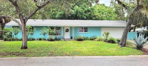 $427,000 - 2Br/2Ba -  for Sale in Sarasota Bay Park, Sarasota