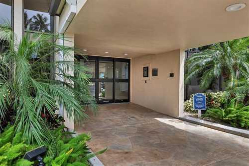 $559,000 - 2Br/2Ba -  for Sale in Harbor Towers Y & R, Sarasota