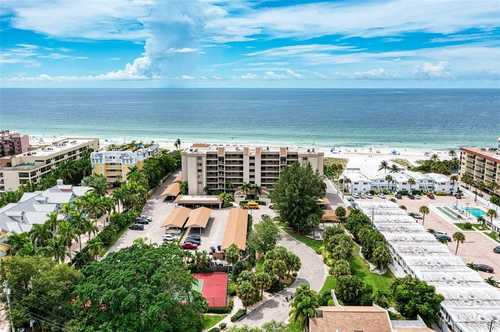 $1,150,000 - 2Br/2Ba -  for Sale in Midnight Cove, Sarasota