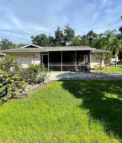 $360,000 - 5Br/3Ba -  for Sale in Sarasota Spgs, Sarasota