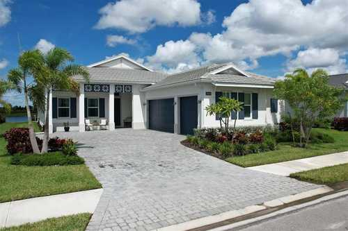 $1,100,000 - 3Br/4Ba -  for Sale in Isles At Lakewood Ranch, Lakewood Ranch
