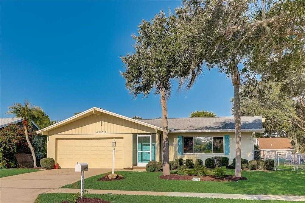 $349,900 - 3Br/2Ba -  for Sale in Lake Sarasota, Sarasota
