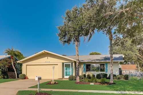 $369,900 - 3Br/2Ba -  for Sale in Lake Sarasota, Sarasota