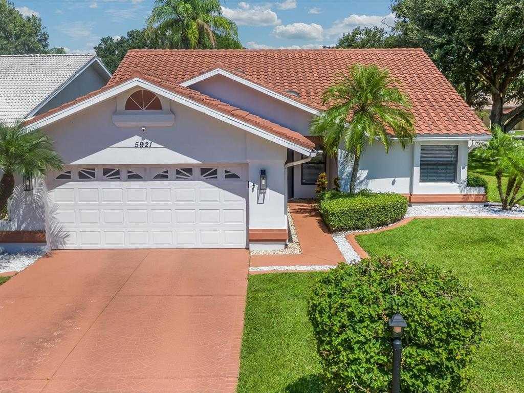 $465,000 - 3Br/2Ba -  for Sale in Longwood Run Ph 3 Pt A, Sarasota