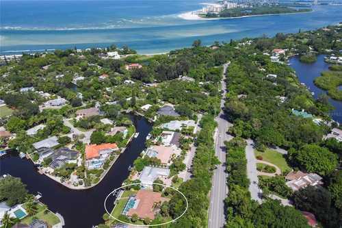 $1,595,000 - 4Br/3Ba -  for Sale in Siesta Bayside, Sarasota