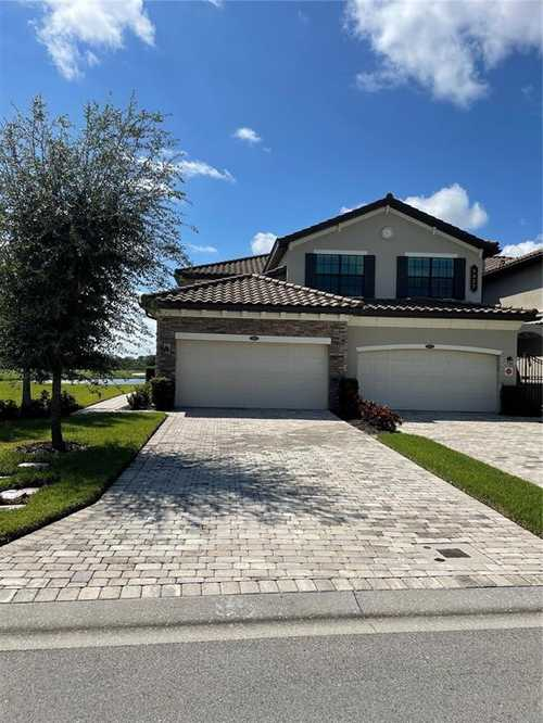 $625,000 - 3Br/2Ba -  for Sale in Coach Homes I At Lakewood National Ph 7, Bradenton