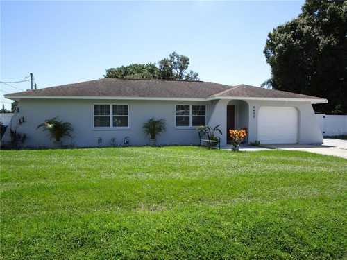 $399,600 - 4Br/3Ba -  for Sale in Sarasota Springs, Sarasota