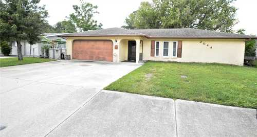 $299,000 - 3Br/2Ba -  for Sale in Sarasota Spgs, Sarasota