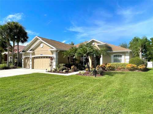 $725,000 - 3Br/3Ba -  for Sale in Greenbrook Village Subphase Y, Lakewood Ranch