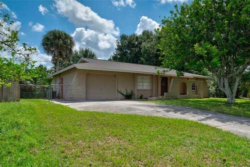 $325,000 - 3Br/2Ba -  for Sale in Brentwood Estates, Sarasota