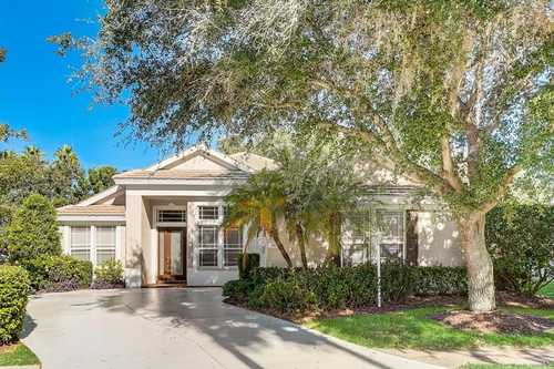 $679,900 - 3Br/2Ba -  for Sale in Edgewater Village Subphase A, Lakewood Ranch