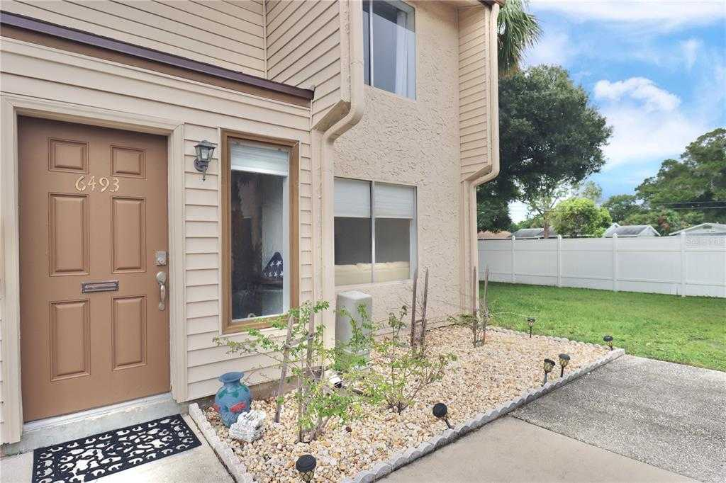 $165,000 - 2Br/2Ba -  for Sale in Barkwood Square Condo, St Petersburg