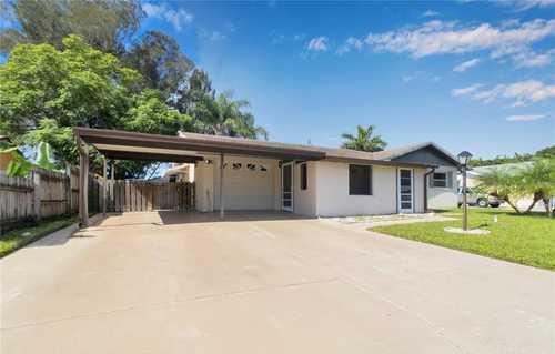 $355,000 - 4Br/2Ba -  for Sale in Ridgewood Estates 12 Add, Sarasota