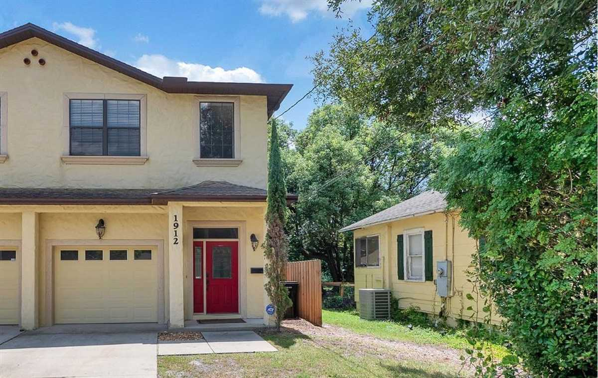 $390,000 - 3Br/3Ba -  for Sale in Colonial Grove Estates, Orlando