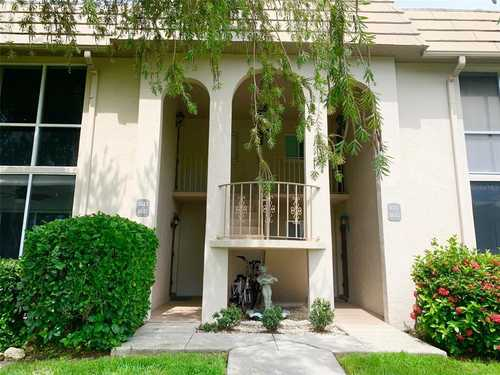 $295,000 - 2Br/2Ba -  for Sale in Baywood Colony Southwood 1, Sarasota