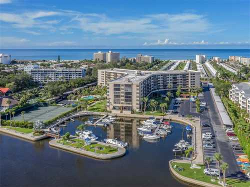 $549,900 - 2Br/2Ba -  for Sale in Harbor Towers Y & R, Sarasota