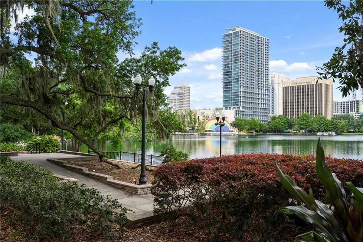$410,000 - 2Br/2Ba -  for Sale in Vue/lk Eola, Orlando