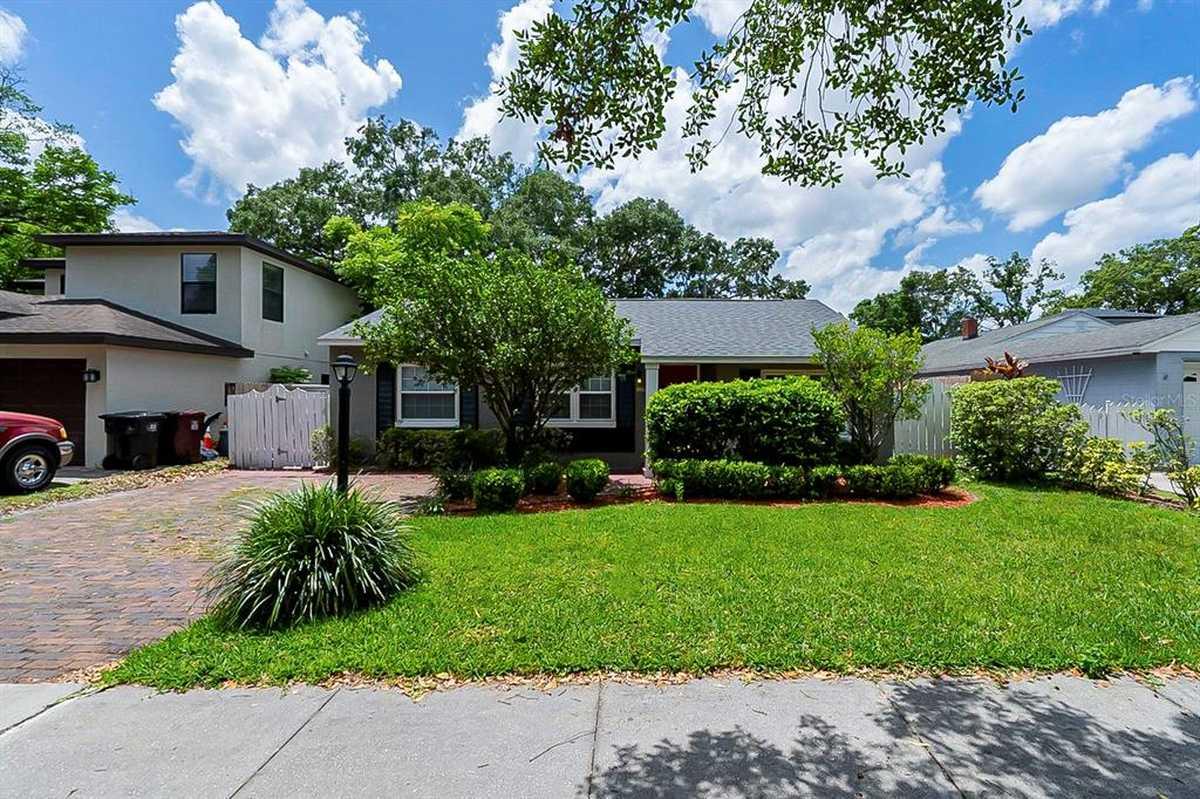 $425,000 - 4Br/2Ba -  for Sale in Anderson Park, Orlando