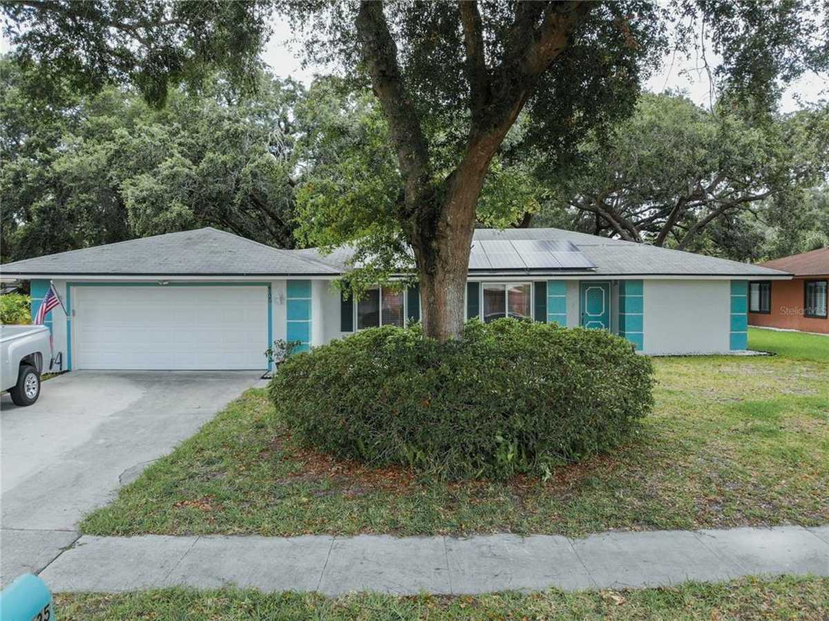 $439,000 - 4Br/2Ba -  for Sale in Conway East, Belle Isle