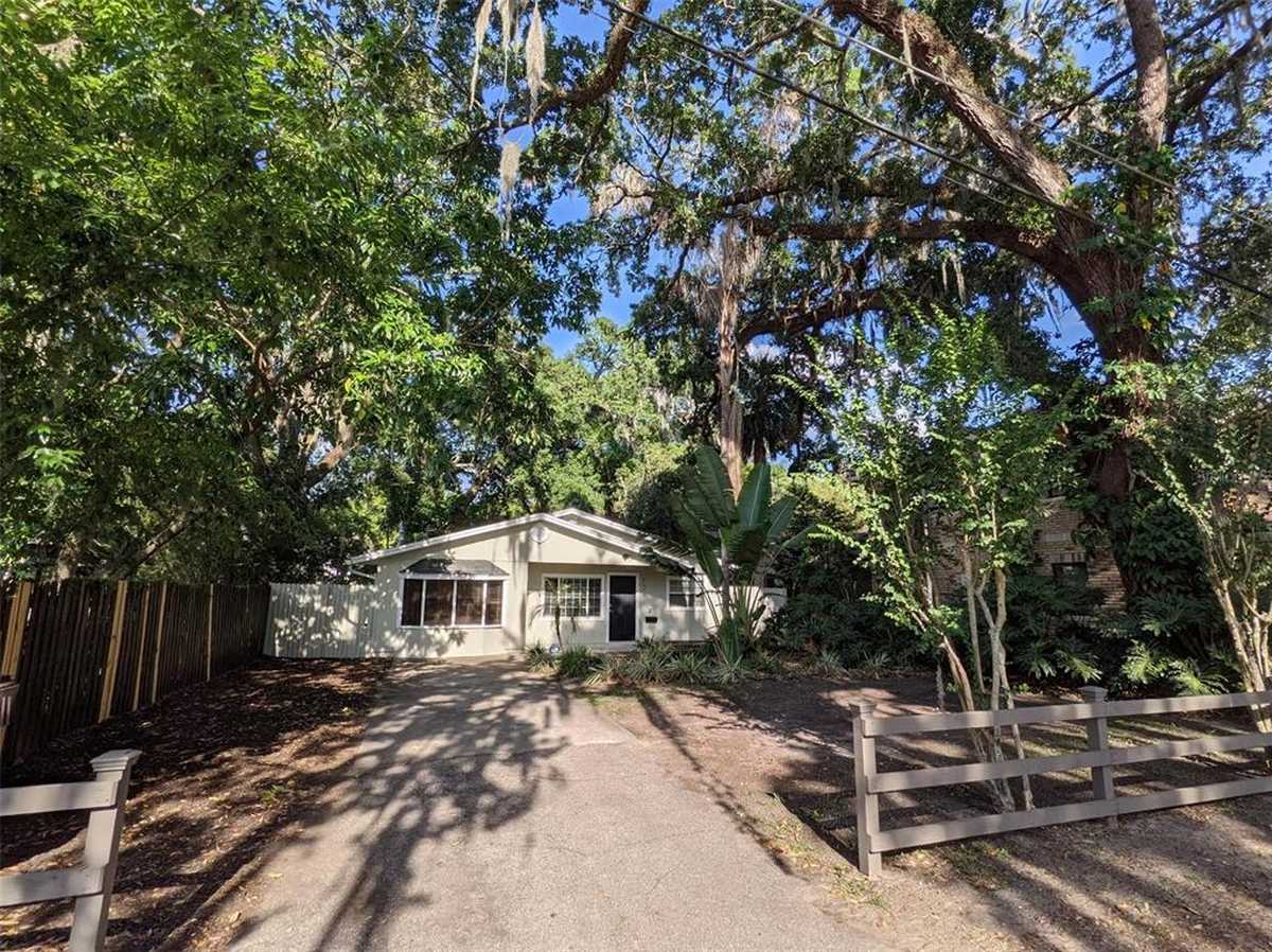 $395,000 - 3Br/2Ba -  for Sale in Edgewater Heights, Orlando