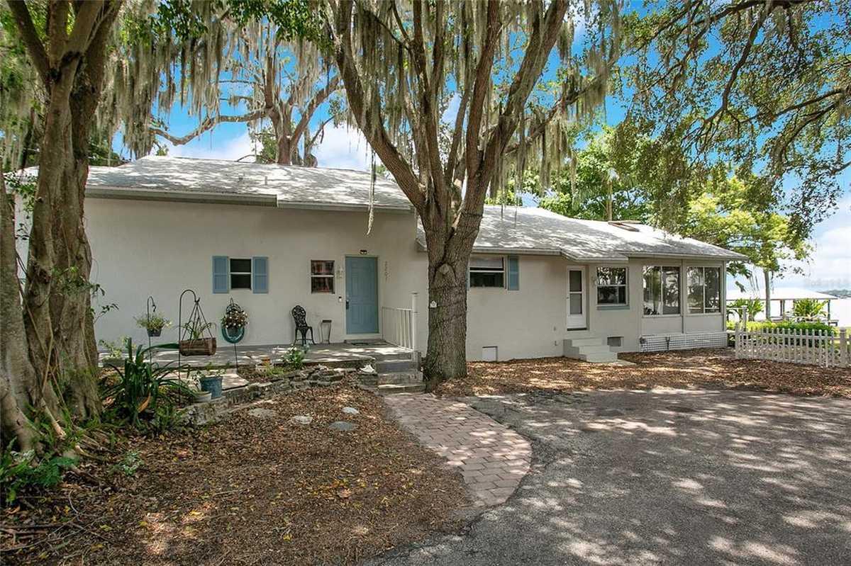 $725,000 - 3Br/2Ba -  for Sale in J H Livingstons Sub, Belle Isle