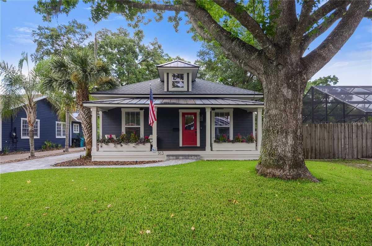 $699,900 - 3Br/3Ba -  for Sale in Replat Of Sunrise Add, Orlando