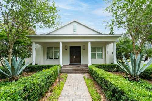 $950,000 - 3Br/3Ba -  for Sale in Keenes Pointe, Windermere