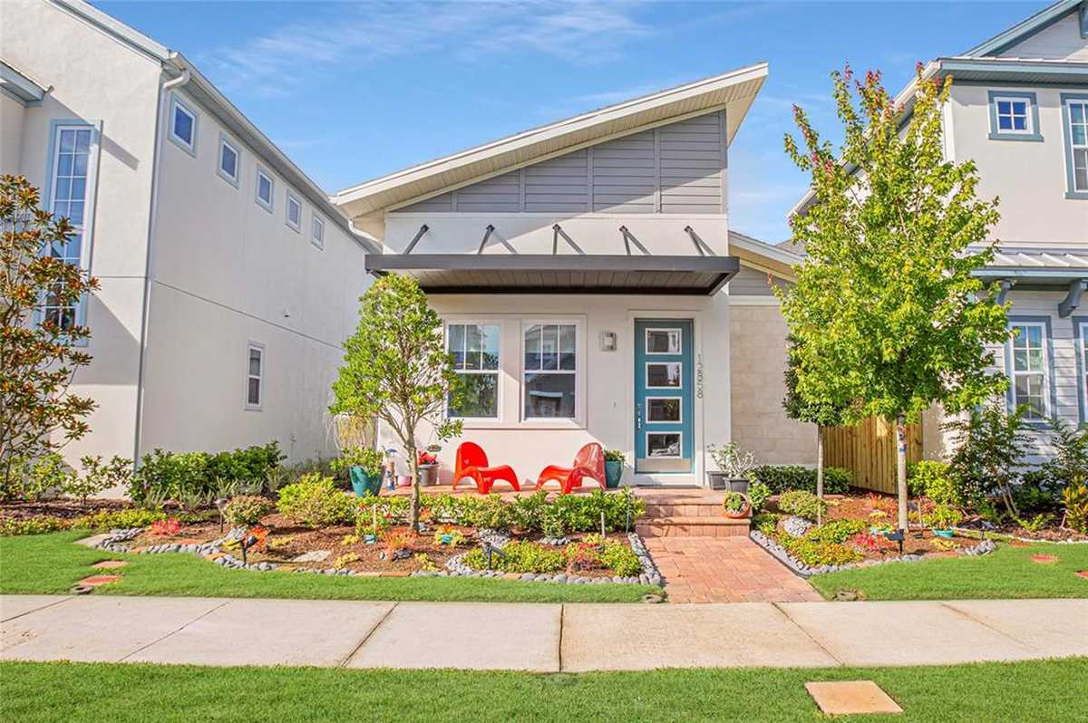 $528,900 - 3Br/2Ba -  for Sale in Laureate Park, Orlando