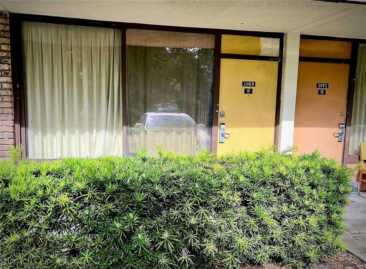$49,900 - 1Br/1Ba -  for Sale in Sandlake Courtyards Condo 5901/3515, Orlando