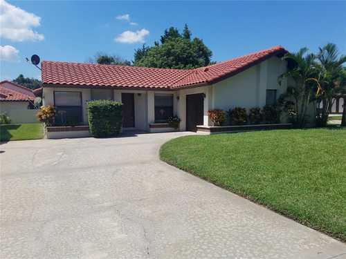 $369,900 - 2Br/2Ba -  for Sale in Granada Villas Ph 03, Orlando