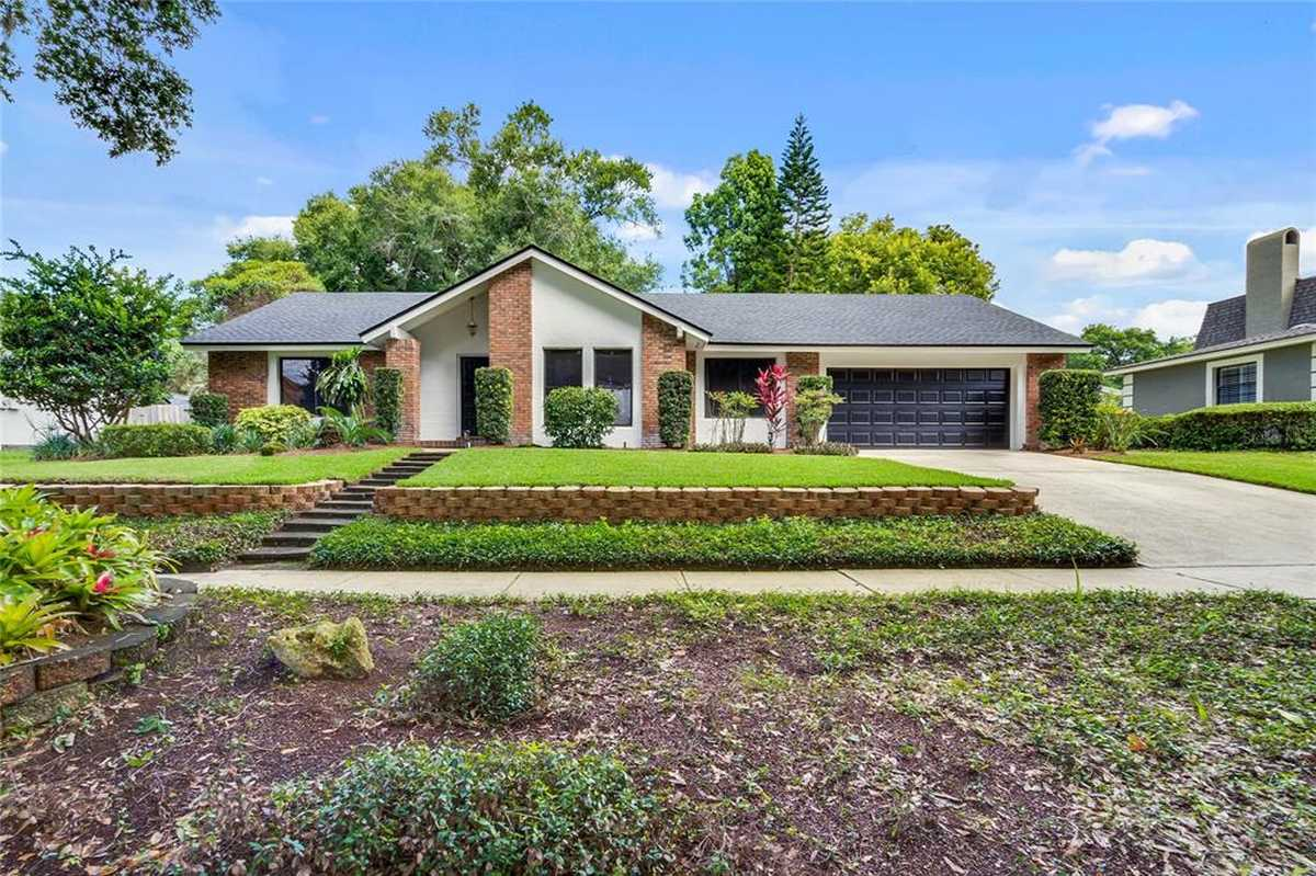 $589,900 - 3Br/2Ba -  for Sale in Versailles, Maitland