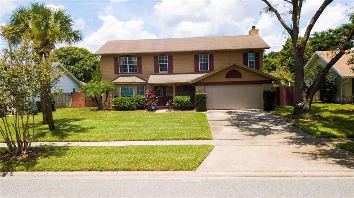 $549,000 - 4Br/3Ba -  for Sale in Windward Estates, Orlando