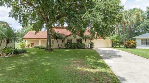 $499,900 - 4Br/3Ba -  for Sale in Orange Tree Country Cluba, Orlando