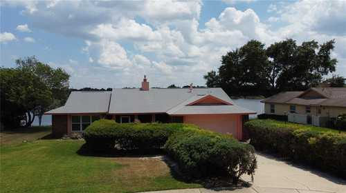 $406,000 - 3Br/2Ba -  for Sale in Bay Lakes At Granada Sec 02, Orlando