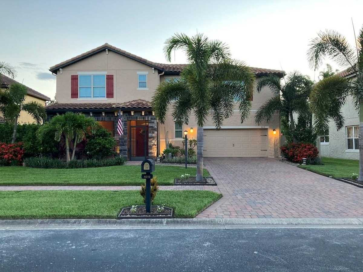 $594,900 - 5Br/3Ba -  for Sale in Holden Cove, Orlando