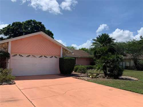 $359,900 - 3Br/2Ba -  for Sale in Meadows At Rio Pinar, Orlando