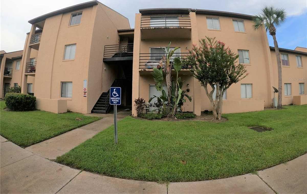 $97,500 - 2Br/2Ba -  for Sale in Alhambra Courts Condo Ph 2, Orlando