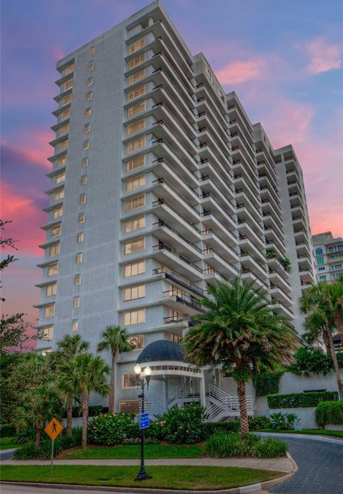 $349,000 - 2Br/2Ba -  for Sale in 530 East Central Condo, Orlando