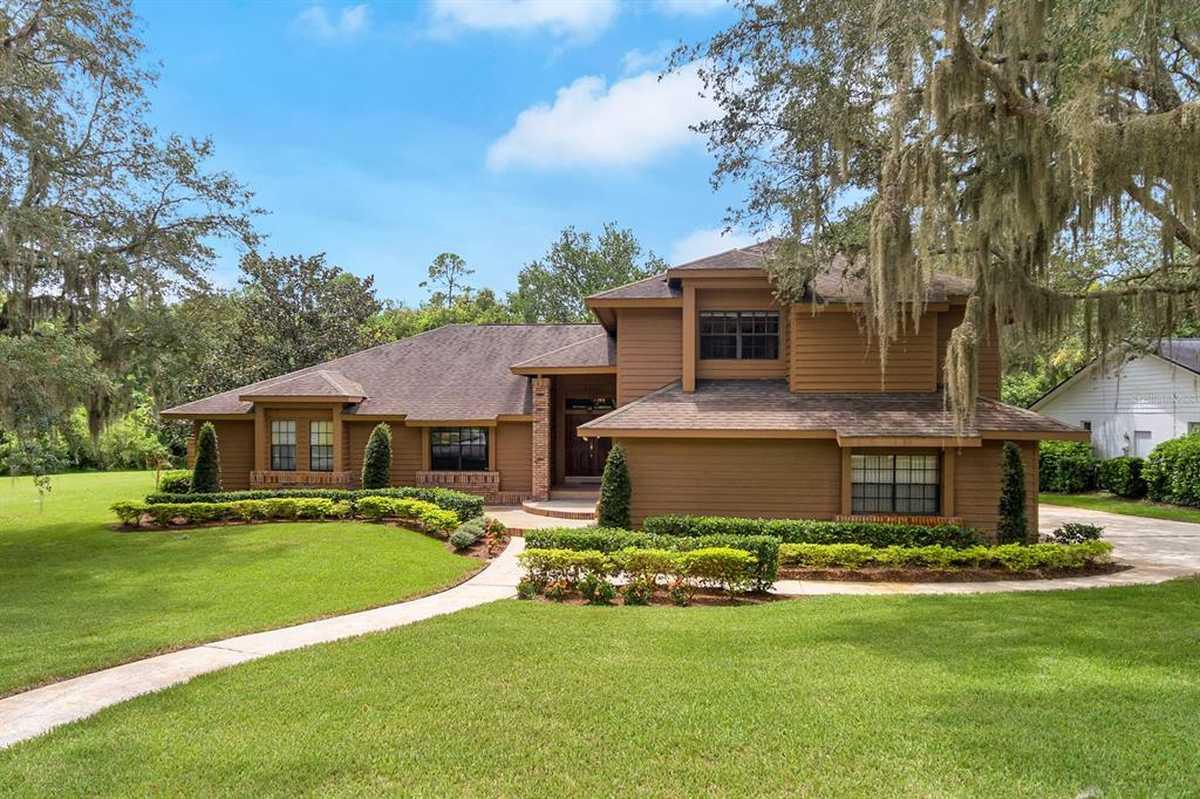 $699,500 - 4Br/3Ba -  for Sale in Sweetwater Oaks, Longwood