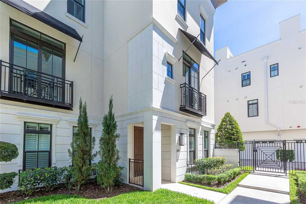 $879,000 - 3Br/4Ba -  for Sale in Brownstones/thornton Park, Orlando