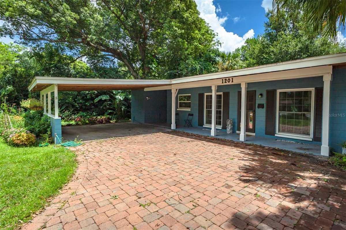 $354,999 - 3Br/2Ba -  for Sale in Dover Shores, Orlando