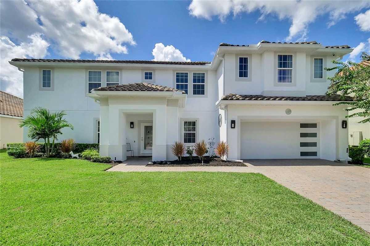 $839,900 - 7Br/4Ba -  for Sale in Bella Vista, Longwood
