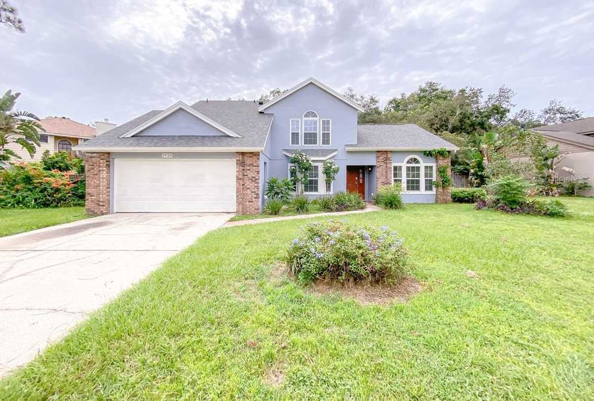 $469,900 - 4Br/3Ba -  for Sale in Foxchase, Oviedo