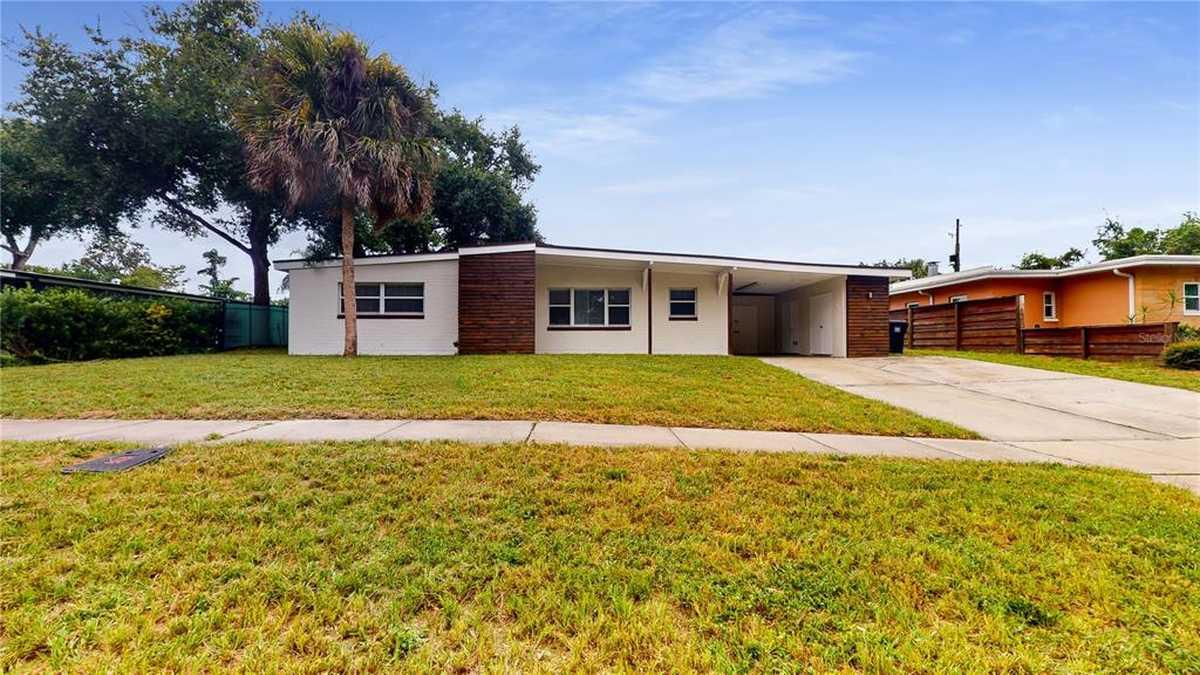 $640,000 - 4Br/2Ba -  for Sale in Audubon Park Flamingo, Orlando