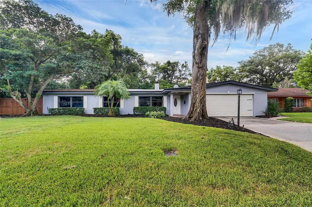 $699,900 - 4Br/3Ba -  for Sale in Dommerich Estates 3rd Add, Maitland