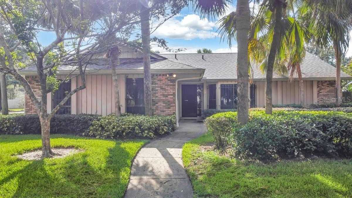 $399,900 - 3Br/3Ba -  for Sale in Greenview At Dover, Orlando