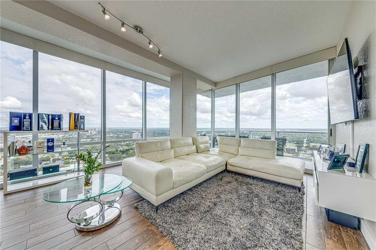 $675,000 - 2Br/2Ba -  for Sale in Vue/lk Eola, Orlando
