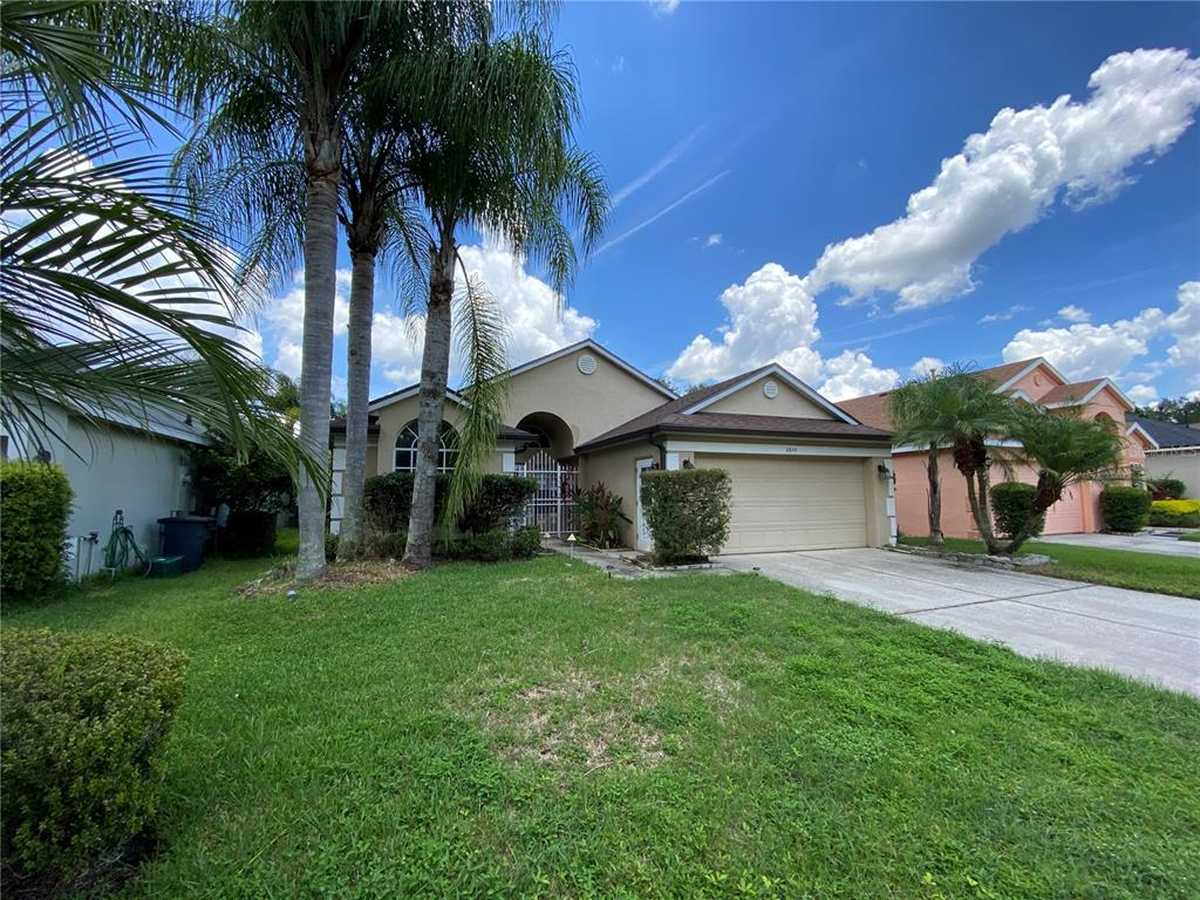 $420,000 - 3Br/3Ba -  for Sale in Aloma Woods Ph 4, Oviedo